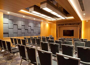 Seminer odası akustik tasarım
